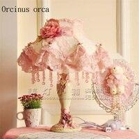 Европейский стиль пастырской кружева настольная лампа гостиная спальня принцессы ветра девушка спальня розовый настольная лампа бесплатн