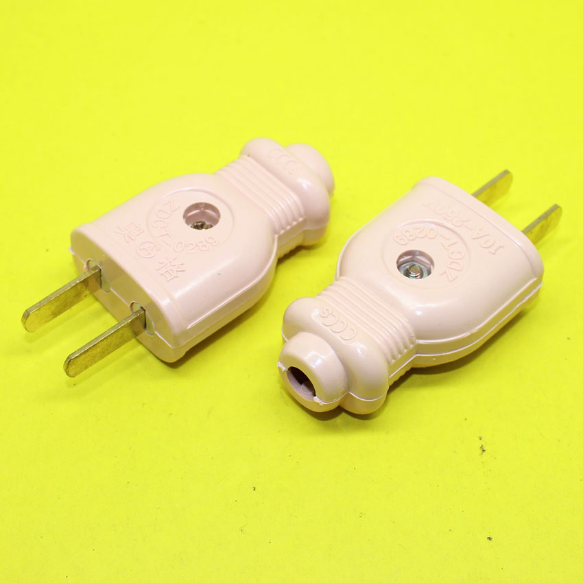 tl090 extension cords on two flat pin connectors supporting male and female head on