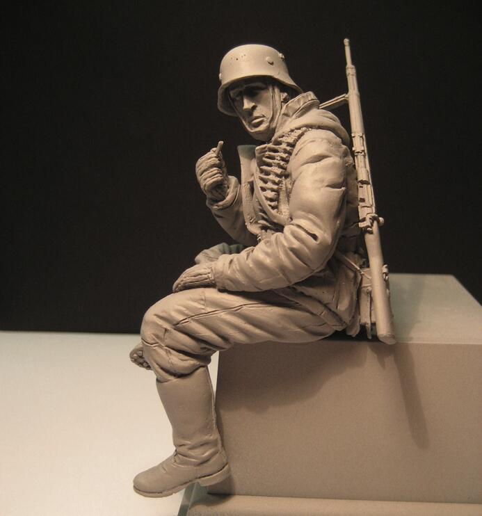 1/16 Resin Figures Model Kit World War II Sitting Soldiers Unpainted And Unassembled 156G