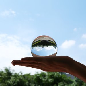 Image 5 - 50mm/80mm Kristall Ball Quarz Glas Transparent Ball Kugeln Glas Ball Fotografie Kugeln Kristall Handwerk Decor Feng shui