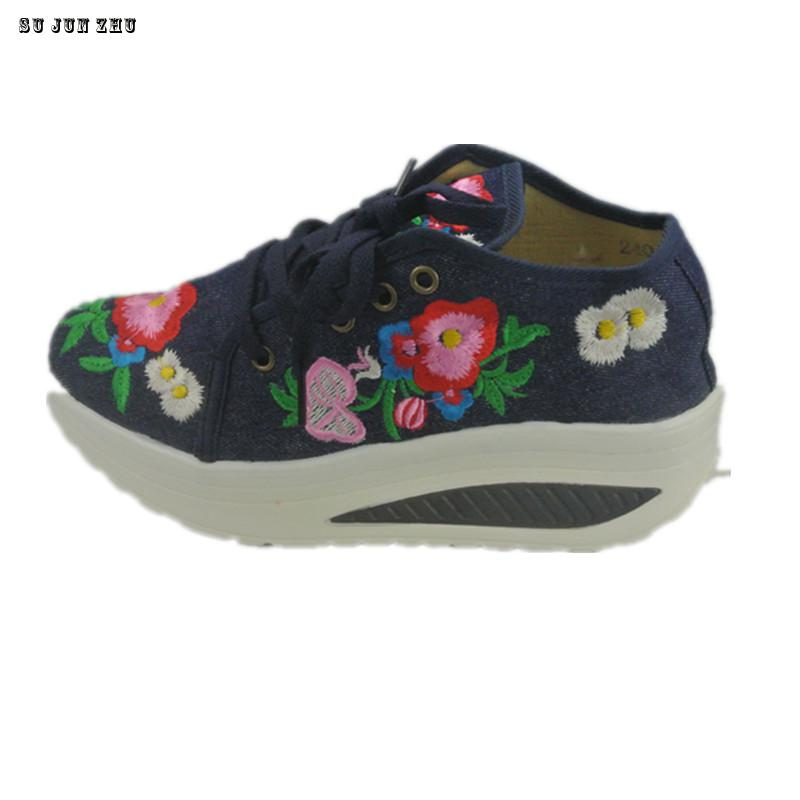 Spring Summer Women Embroidery Increased Elegant Ethnic Comfortable Fashion Breathable Walk Canvas Shoes New 2017 2016 spring and summer free shipping red new fashion design shoes african women print rt 3