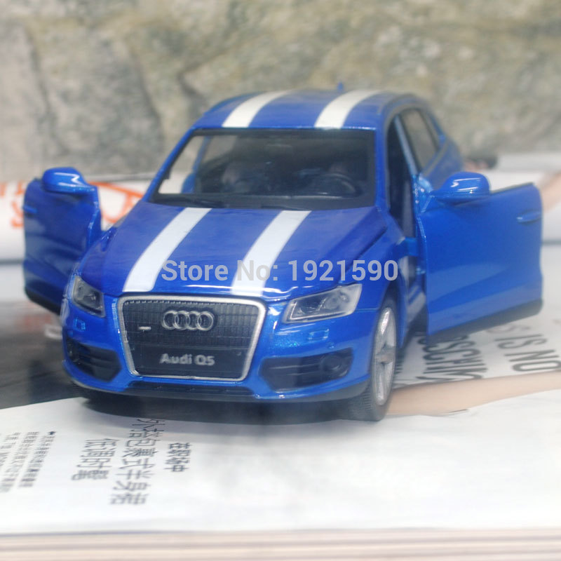 YJ 1/32 Scale Sound&Light Car Toys Germany AUDI Q5 SUV Diecast Metal Pull Back Car Model Toy For Gift/Kids/Collection