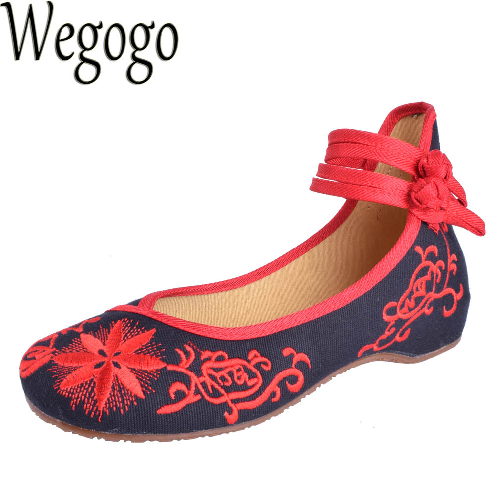 Wegogo Vintage Women Shoes Flats Mary Jane Flats Casual Shoes Chinese Embroidered Cloth Woman Ballerina Shoes Plus Size 41 old beijing embroidered women shoes mary jane flat heel cloth chinese style casual loafers plus size shoes woman flower black