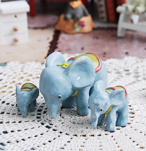 Small Elephant Decor: 3pcs/set Fashion Mini Figurines Crafts Home Ornaments