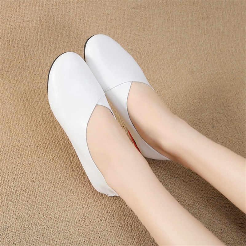 COOTELILI Vrouwen Flats Lederen Schoenen Vrouw Casual Loafers Slip-On Ronde Neus Dames Oxfords Vrouwen Schoenen Plus Size 40 41 42 43