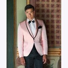 2017 Nuevo de alta calidad de color rosa para hombre Trajes novio hombres  traje Esmoquin padrinos boda mejor hombre Trajes (chaq. 432bdefe686