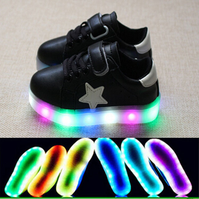 2017 de la manera led iluminado estrellitas bebé shoes nueva marca de alta calidad de bebé brillantes zapatillas de deporte ventas calientes niños niñas shoes