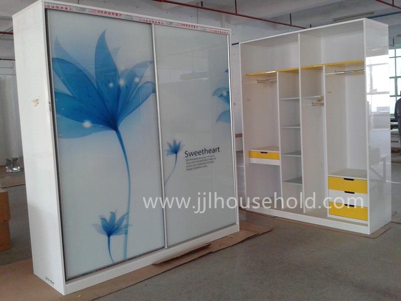 Armario closet con marco de aluminio puertas de vidrio - Puertas de aluminio con cristal ...