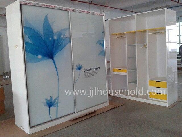 Armario ( closet ) con marco de aluminio puertas de vidrio en ...