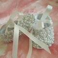 Frete grátis handmade pérola rhinestone Cristal da fita do Bebê da Menina sapatos Criança crianças sapatos feitos à mão sapatos de Bling Bling Do grânulo macio