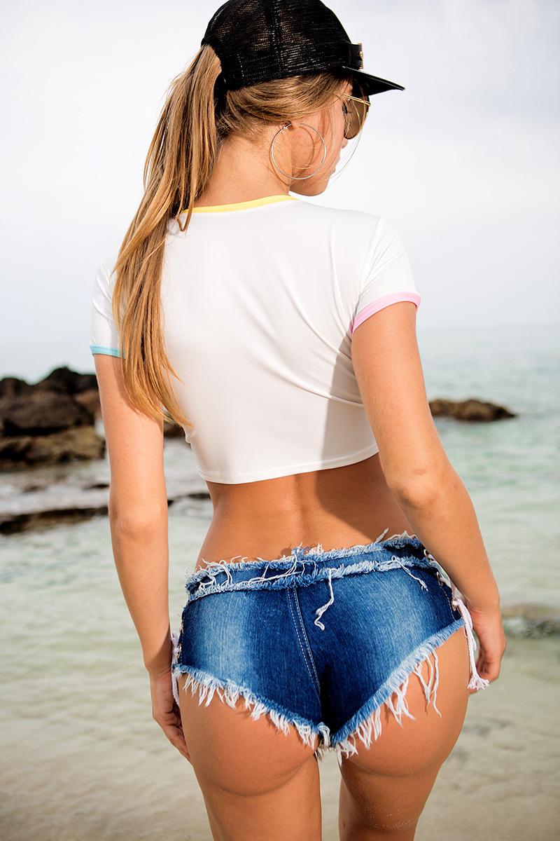 Micro shorts jeans curto rasgado