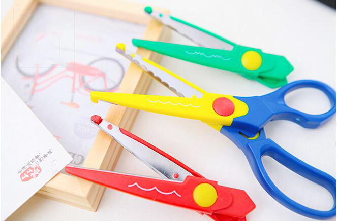 1 Pc/Set 3-Type Laciness Scissor For School Stationery & DIY Decoration
