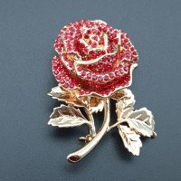 Elegant Red Color Brooches Rose Flower Wedding Bridal Enamel Brooch Pins With Crystal Jewelry Accessories For Women's Gift