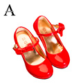 Aercourm um meninas couro envernizado shoes sapatos de salto alto crianças princesa shoes 2017 primavera crianças meninas de couro shoes rosa preto vermelho
