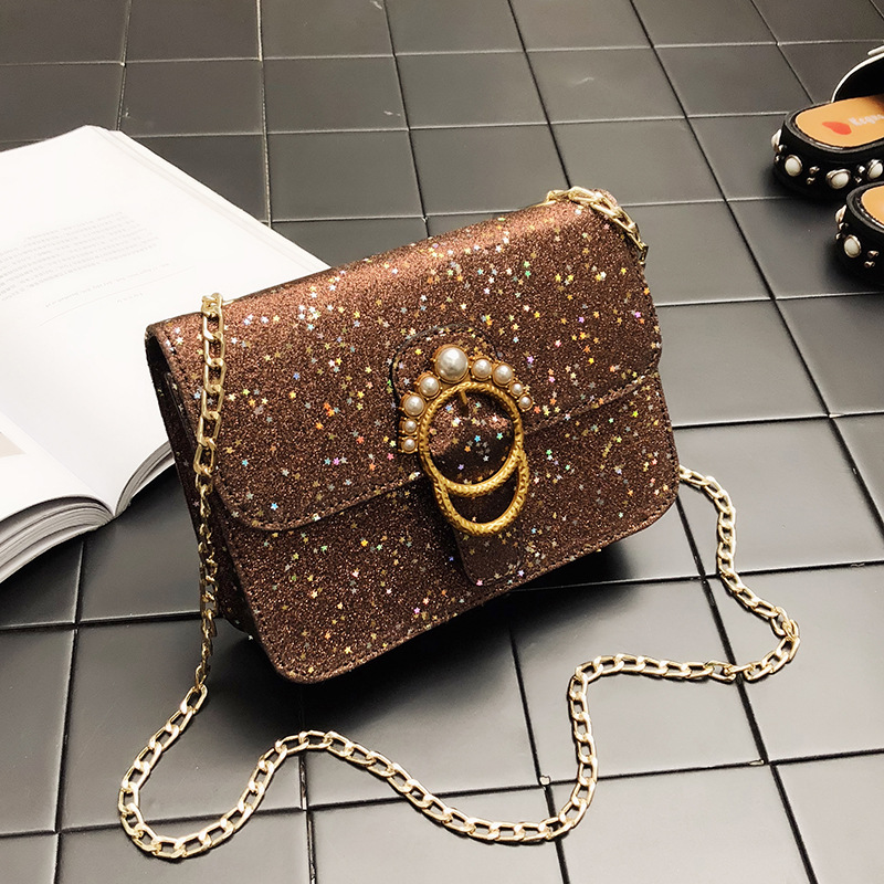 ADIYATE Women Pearl Sequins Bag Fashion Fashion O Bag Bolsas Femininas Korean Spring and Summer 2018 Kawaii Chain Shoulder Bags handbags women trapeze bolsas femininas sac lovely monkey pendant star sequins embroidery pearls bags pink black shoulder bag