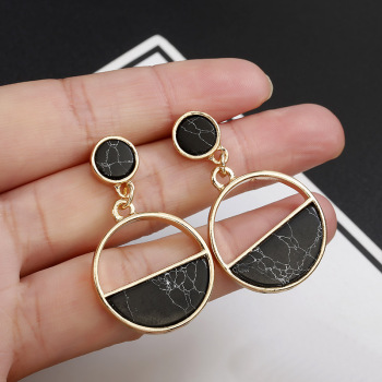 2020 New Fashion Stud Earrings Black White Stone Geometric Earrings Round Triangle Design Punk Ear Jewelry Brincos