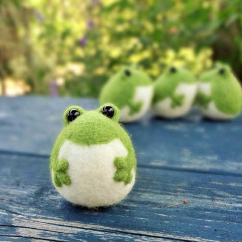Green amphibian ribbon tied felt hat Frog Hat Froggie Hood