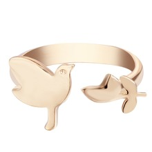 QIAMNI Personalized Design Adjustable Wholesale Cute Modern Bird with Leaf Ring Jewelry Gift for Women and Girls