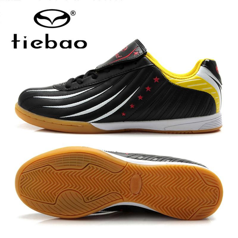 Prix pour TIEBAO Professionnel Hommes Femmes Athletic Formation Sneakers Intérieur Sport Chaussures de Football DANS & IC Semelles En Caoutchouc Football Bottes UE 39-44
