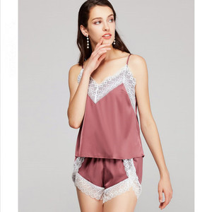 Image 3 - لباس نوم حريرية للنساء من Daeyard ملابس داخلية مثيرة قصيرة مزينة بالدانتيل طقم كامي مكون من قطعتين لباس نوم صيفي من الساتان ملابس نوم