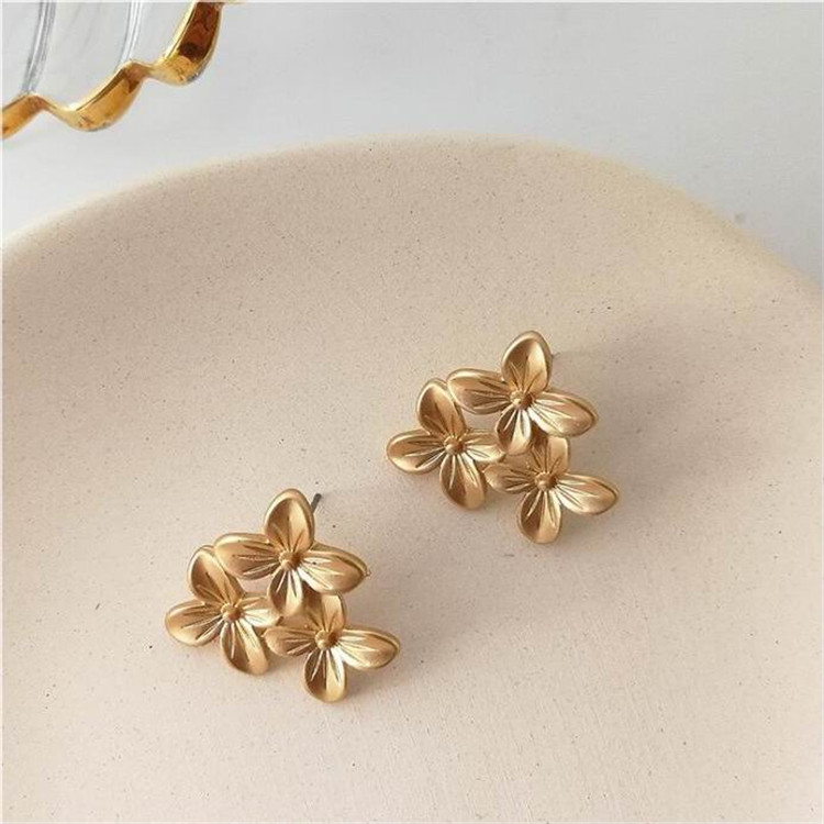 MENGJIQIAO 2019 European Style Matte Gold Flower Big Stud Earrings For Women Fashion Temperament Party Jewelry Boucle D'oreille