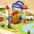 Intersección de tráfico ferroviario urbano escena combinación juguetes de madera, la vía del tren desmontaje, juguetes educativos para niños