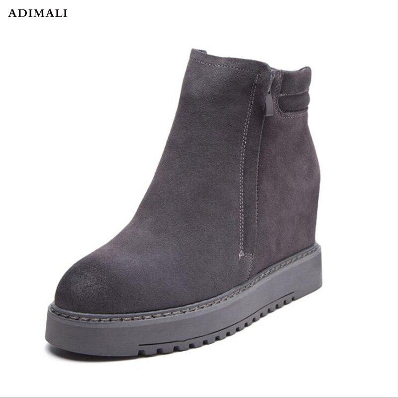 Botas de Tornozelo mulheres Sapatos de Salto Plana Mulher Botas de Couro De Camurça Brogue recortes Slip on Preto Cinza botas mujer invierno plus Size