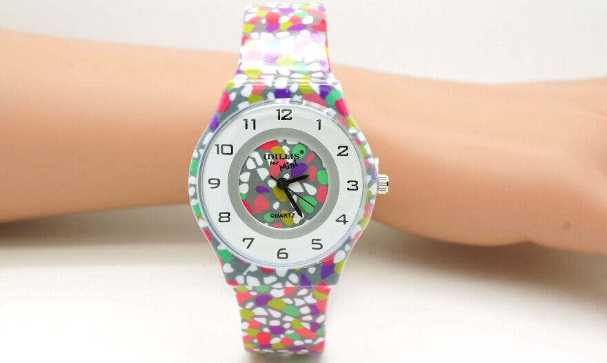 Willis Mini Watches Cartoon For Women Colorful Fashions Colorful Stone Dial Plastic Band WristWatch 486