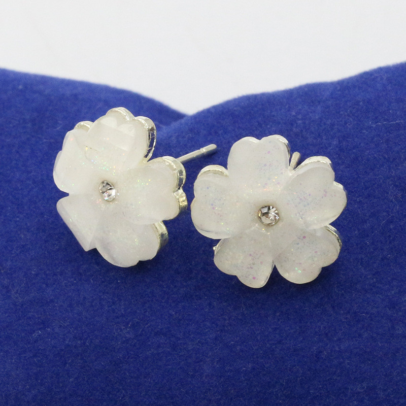Aliexpress buy rongqing 10 pairslot acrylic 5 five petal aliexpress buy rongqing 10 pairslot acrylic 5 five petal flower white stud earrings for women summer style fashion jewelry sisters gifts from mightylinksfo
