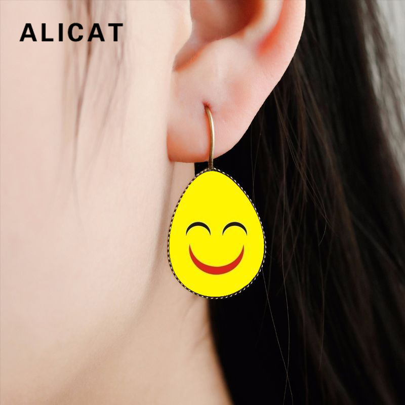 Korean Style Drop Funny Emoji Smiley Face Expression Earrings Glass Earrings for Women Party Jewelry boucle doreille fantaisie