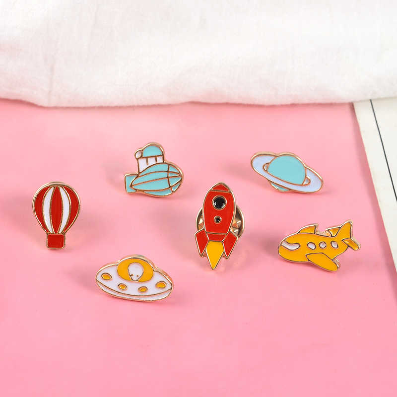 Tiny Cartoon Broches Emaille Rocket Air ballon Vliegtuig UFO Planeet Reversspeldjes Badges Rugzak Denim Jassen Pin Sieraden Voor Kinderen