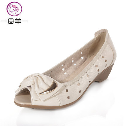 ФОТО  MUYANG Chinese Brand 2017 Genuine Leather Platform Sandals Summer Shoes Woman Bow Wedges Soft Open Toe Shoes Women's Sandals