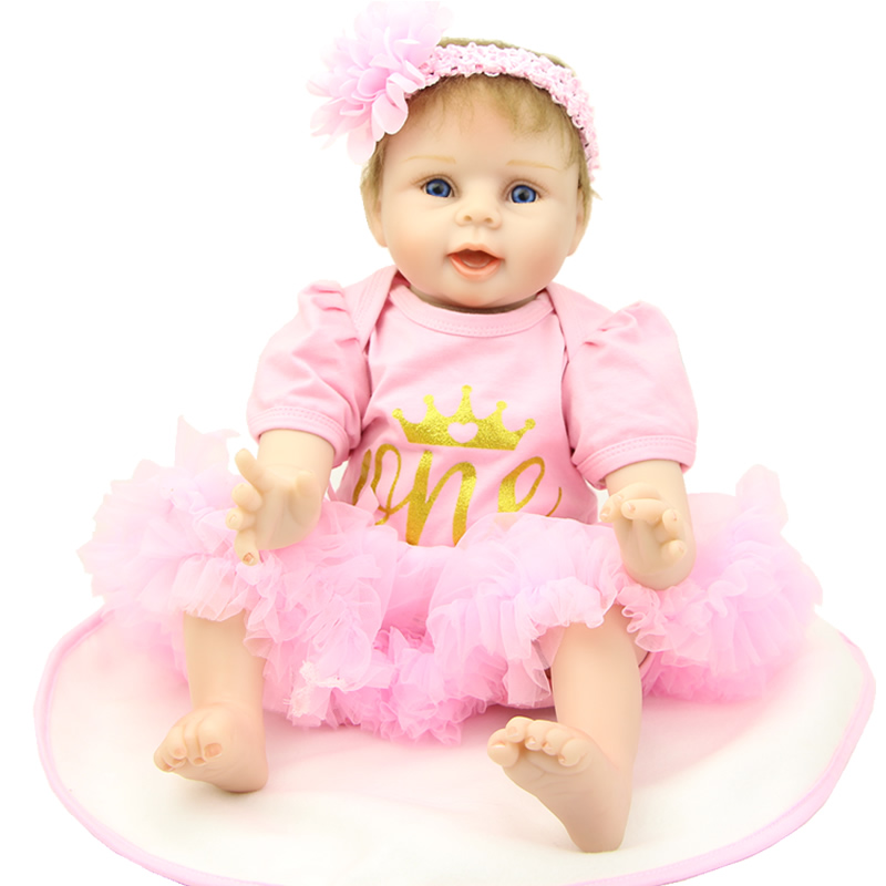 Silicone Bodied 22 Inch Realistic Dolls For Girls Lifelike Newborn Baby Doll Waring Crown Pink Dress Kids Birthday New Year Gift can sit and lie 22 inch reborn baby doll realistic lifelike silicone newborn babies with pink dress kids birthday christmas gift