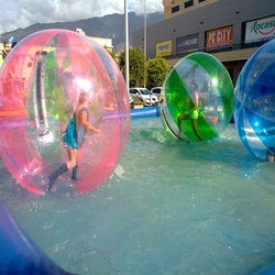 water walking ball 2 M dimater  water park fit for children playing on the Rivers, lakes and parks water ball