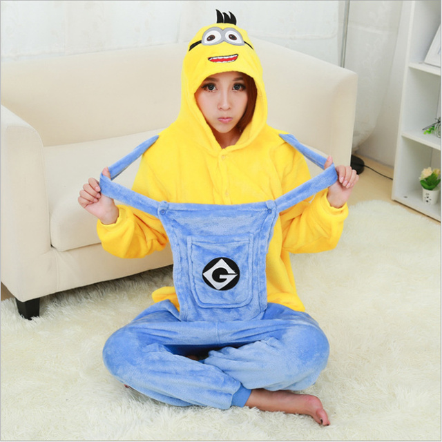 59712be27f Unisex de franela adultos Minion pijamas de las mujeres mono hombres traje  Animal ropa de dormir