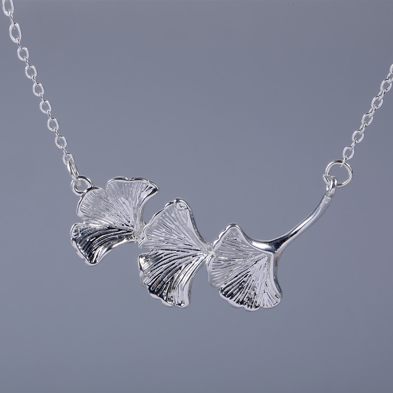 925 Sterling Silver Jewelry Wholesale Korean Fashion Ginkgo Leaf Exquisite Creative Female Personality Pendant Necklace