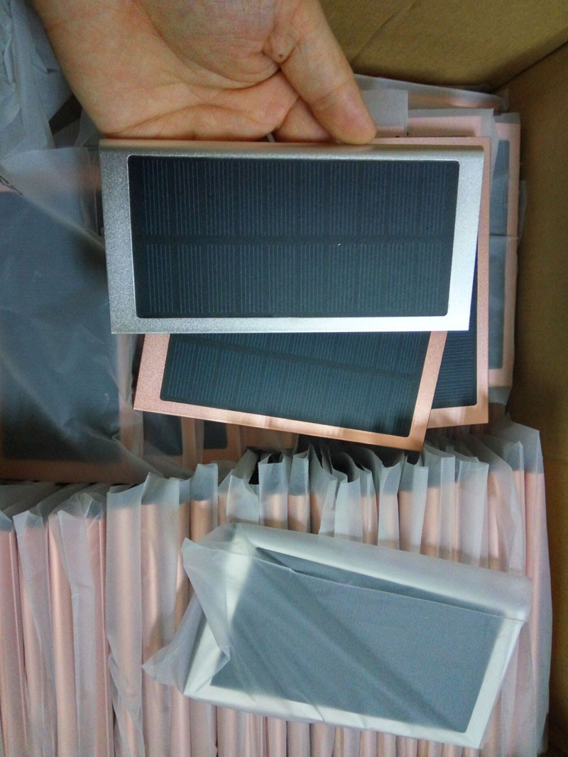 ultra thin solar charger 02