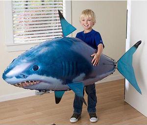 Image 1 - 1pcs אוויר שחייה דגי צעצועי Drone RC כריש דגי ליצן בלונים נמו מתנפח עם הליום מטוס צעצועי מסיבת ילדים חג המולד מתנה