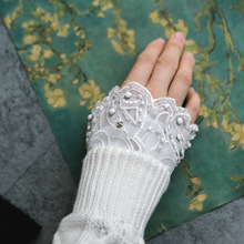 MIARA.L new version of lace navy wind folding hand bowl set lace women's knitted sweater gloves fake sleeves