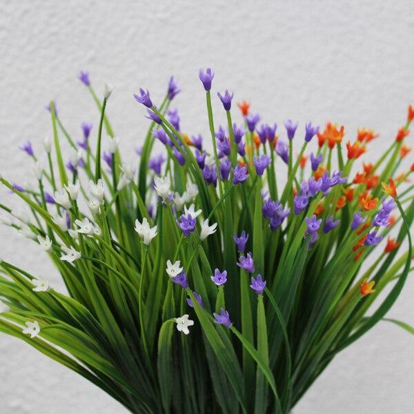 7 Simulation de simulation de plantes d'herbe en plastique fourchette bluegrass en plein air en plastique faux herbe décorative herbe herbe fleurs en gros