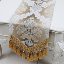Luxury Tassel Floral Table Runner Protective Mats Embossed Jacquard European style High End Decorative Rectangle Cloths