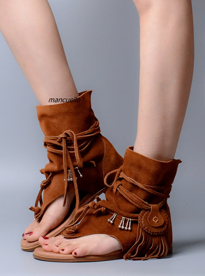 Trendy Brown Suede Fringe Lace Up Sandals Comfy Clip Toe Tassel Decorated Flat Gladiator Sandals Fashion Summer Ankle Boots trendy ripped fringe lace spliced denim shorts