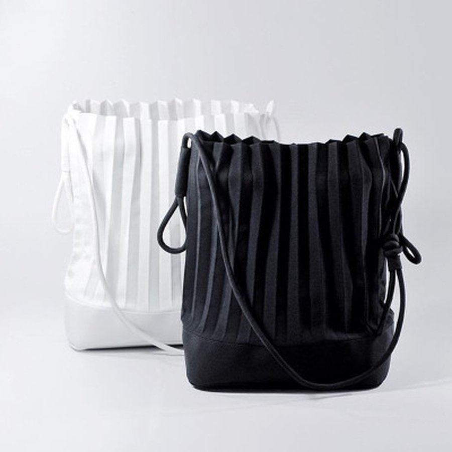 Large Bucket Tote Thailand Pleated Simple Travel Shopping Designer Handbags Summer