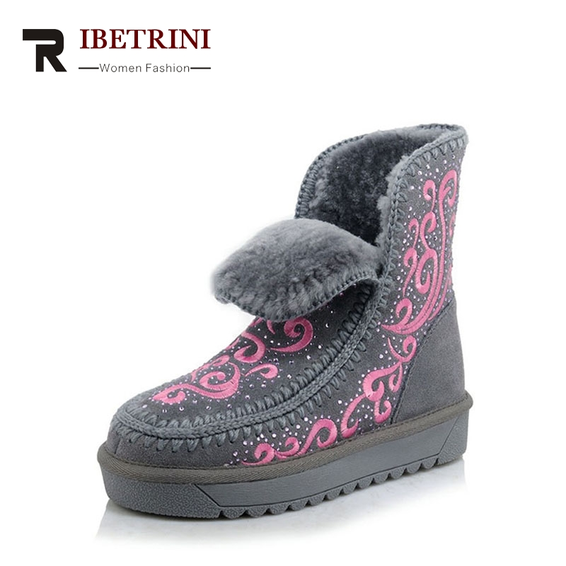 RIBETRINI Winter Large Size 34-43 Cow Leather Platform Warm Plush Ankle Snow Boots Embroider Slip-On Sweet Women Shoes ribetrini 2017 fashion cow suede turned over edge ankle snow boots sewing warm fur platform low flat women shoes size 34 39