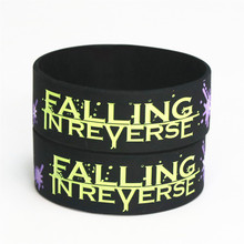 цены 25PCS Wide Falling In Reverse Silicone Wristband For Music Fans Silicone Bracelets& Bangles  Jewelry Gift Wholesale SH097