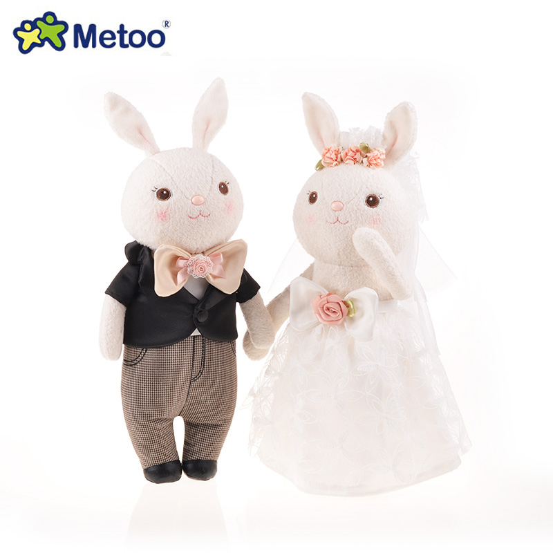 Wedding present METOO Rabbit Plush Toys 36cm 2pcs/set Lace Wedding Dress Tiramissu rabbit doll for Lovers Gift With gift box men shoes casual brand breathable leather shoes summer black brown fashion handmade genuine leather sandals big size 38 45