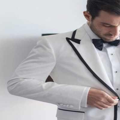 2ピース最新コートパンツデザインホワイト男性スーツスキニーフォーマル結婚式新郎ブレザーカスタムシンプルな男性タキシード