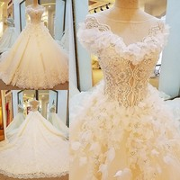 Newest Designs Lace Sexy Wedding Dresses Pearls Sequined Sweetheart Train Bridal Wedding Gowns 2018 Vestido De Noiva