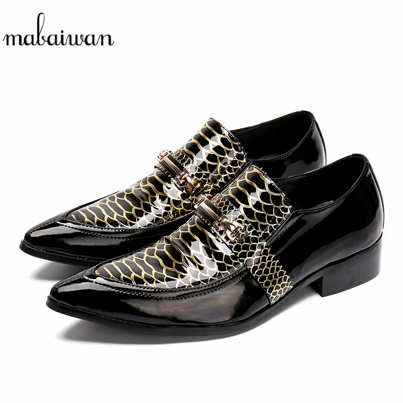 Mabaiwan New Italy Fashion Men Shoes Slipper Metal Decoration Flats Party Wedding Dress Casual Shoes Men Patent Leather Loafers mabaiwan italy casual men shoes snakeskin leather loafers fashion slipper wedding dress shoes men slip on handmade party flats