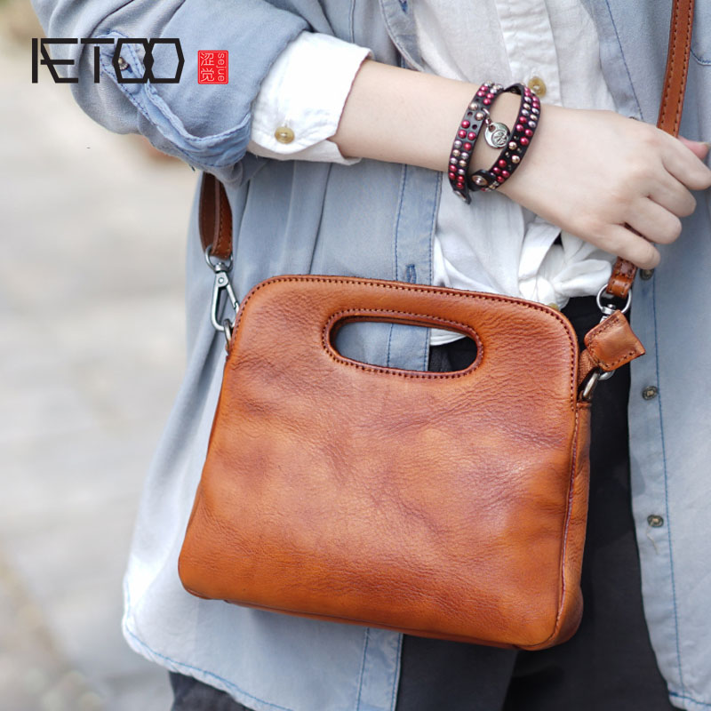 AETOO Hand-shoulder shoulder back portable female models shell leather leather Messenger bag small retro wipe color to do the ol